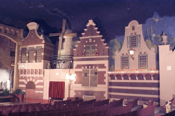 Holland Theatre (2)